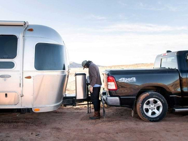 Towing Airstream using truck